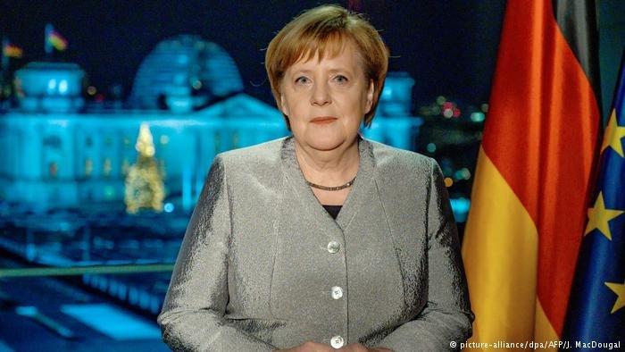 انگلا مرکل، صدر اعظم آلمان در جریان سخنرانیاش به مناسبت سال نو میلادی.