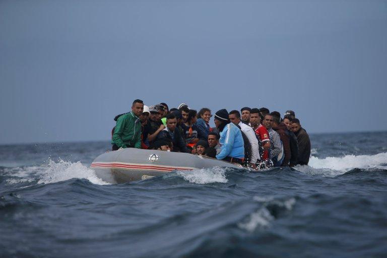 REUTERS/Jon Nazca  Des migrants en provenance du Maroc traversent le détroit de Gibraltar vers Tarifa en Espagne, le 27 juillet 2018.