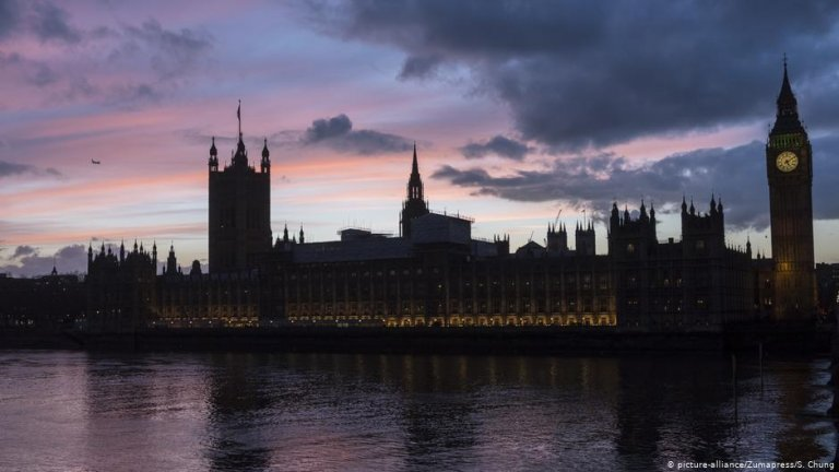 The Houses of Parliament in London | Photo: picture-alliance/Zumapress/S. Chung