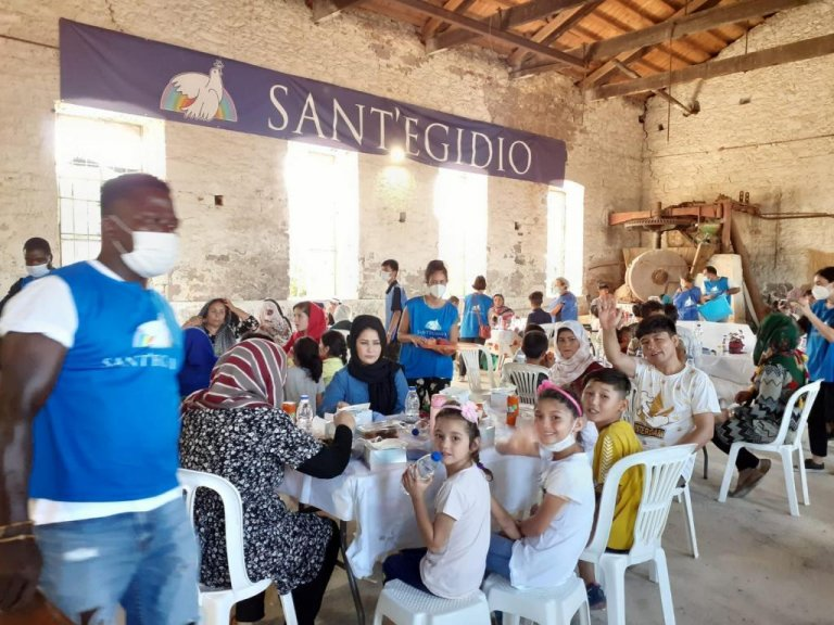 The Catholic community Sant'Egidio are running activities on Lesbos this August with a group of about 150 volunteers from around Europe. Offering hope to migrant families who participate in their activities | Photo: With kind permission of Sant'Egidio
