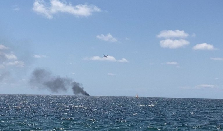 Boat with migrants catches fire and explodes off the coast of Praialonga fraction of Isola Capo Rizzuto, Calabria, Italy on August 30, 2020 | Source: Twitter/BreakingItalyNews