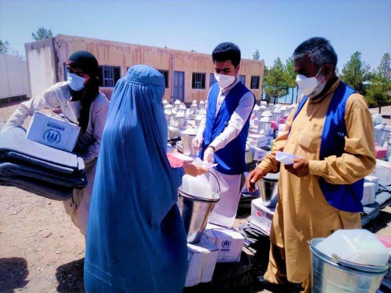 د جګړو له بې خایه شویو سره د بشري مرستو بهیر. انځور: UNHCR. اګست ۲۰۲۱