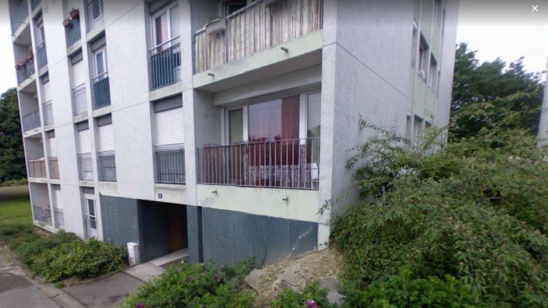 L'immeuble d'Estrémadure squatté par des migrants au Sud de Rennes. Crédit : capture d'écran Google Street view.