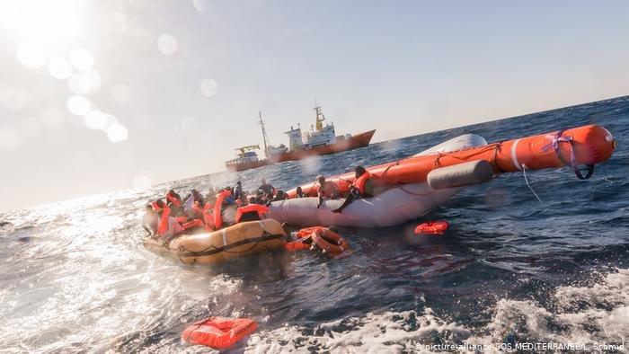 picture-alliance/SOS MEDITERRANEE/L. Schmid