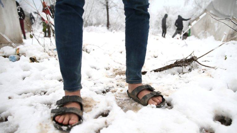 La neige a commencé à tomber sur le camp de Vucjak dans le nord de la Bosnie. Crédit : REUTERS/Dado Ruvic