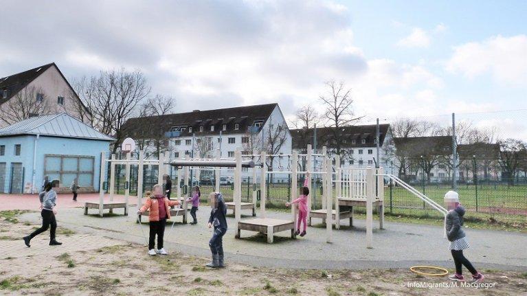 کودکان در «مرکز انکر» بامبرگ بازی می کنند. ۱۰ دسمبر سال ۲۰۱۹/عکس: InfoMigrants/M. MacGregor
