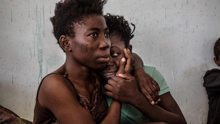رويترز- تعذيب المهاجرين واغتصاب المهاجرات مقابل حصولهن على مياه نظيفة في معسكرات احتجاز المهاجرين في ليبيا