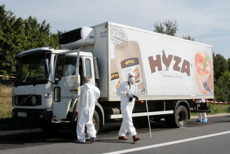 C'est dans ce camion que la police a découvert les corps de 71 migrants. Crédit : Reuters