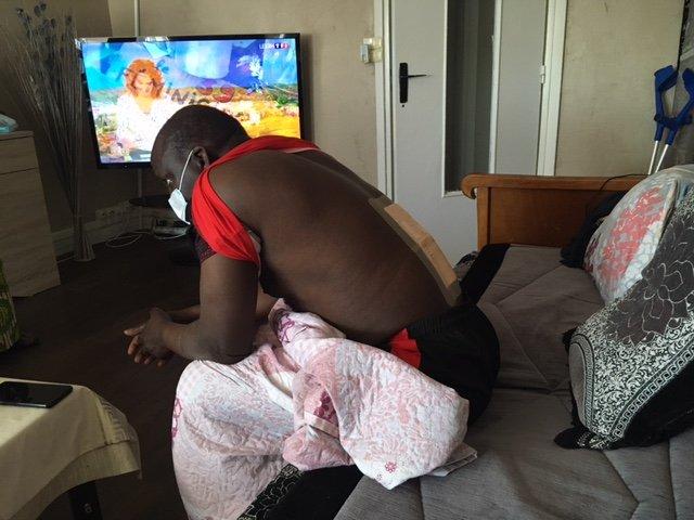Birima Konaté a eu une vertèbre brisée dans sa chute sur un chantier. Crédit : InfoMigrants