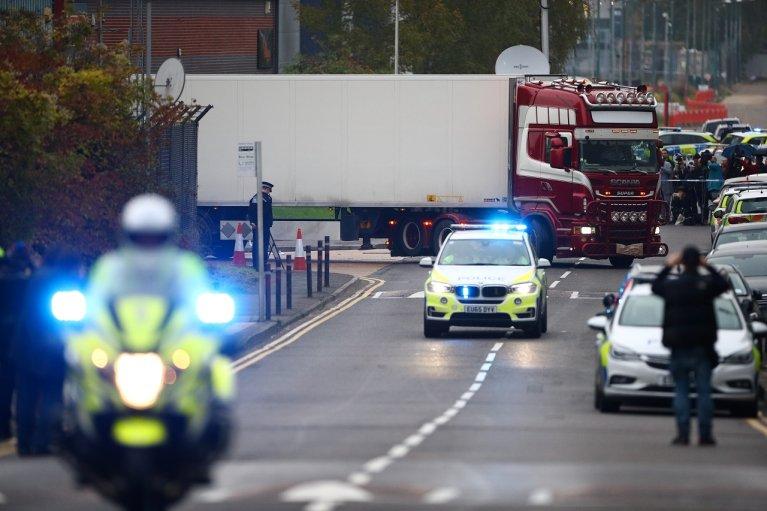Le camion dans lequel ont été retrouvés 39 corps sans vie de ressortissants chinois, en Angleterre, le 23 octobre 2019. Crédit : Reuters