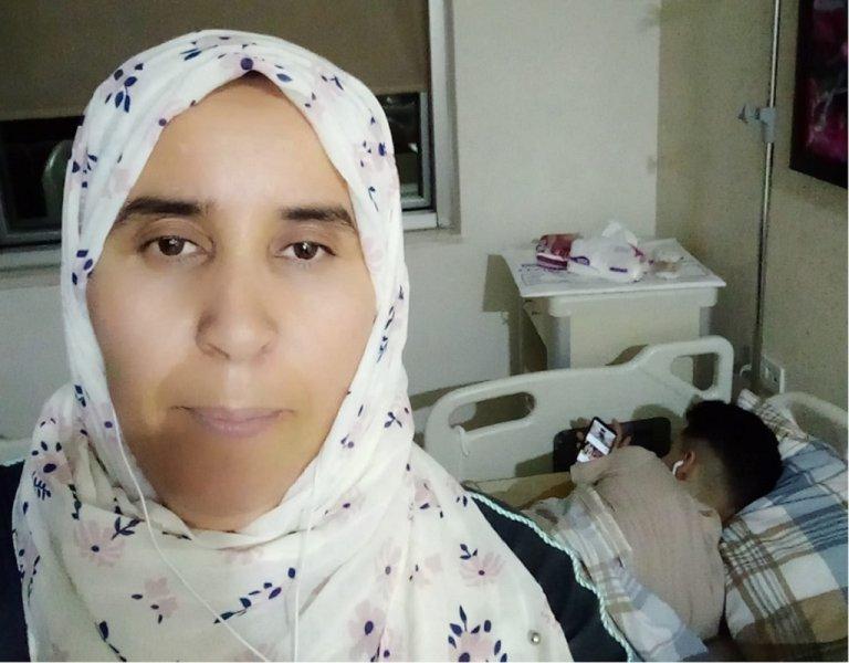 نجاة محجوبي والدة الطفل عبد المولى. الصورة عن حسابها على فيسبوك