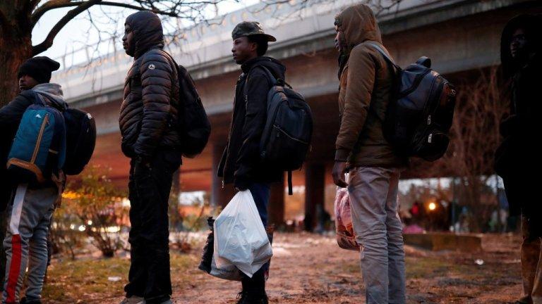 The evacuation of the make-shift migrant camp at Porte de la Villette in northen Paris on January 31, 2019 | Photo: Reuters, file picture