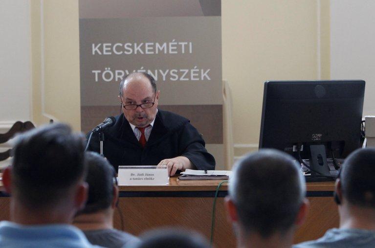 Le juge Janos Jadi à l'ouverture du procès qui doit se poursuivre durant plusieurs mois, un verdict étant attendu au mieux à la fin de l'année. Crédit : Reuters