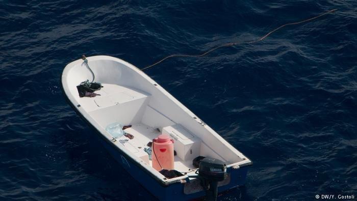 Un bateau vide au milieu de la Méditerranée | Photo: DW/Y.Gostoli