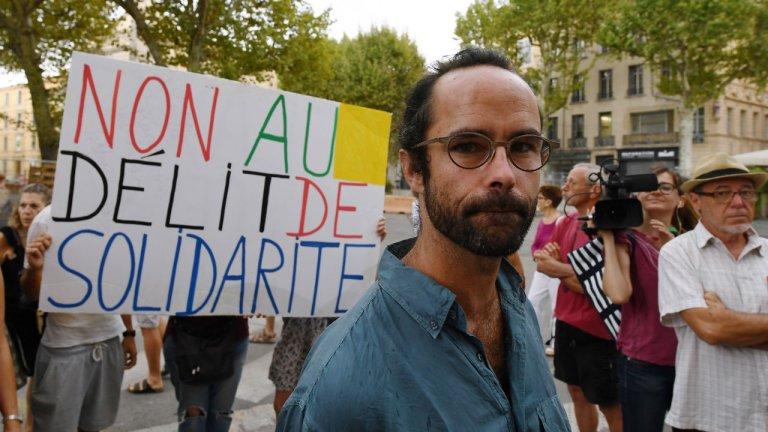Boris Horvat, AFP |Cédric Herrou devant le tribunal d'Aix-en-Provence, lors de son procès, le 8août2017.
