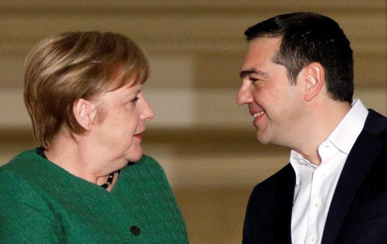 REUTERS/Alkis Konstantinidis |Le Premier ministre grec Alexis Tsipras reçoit la chancelière allemande Angela Merkel, le 10 janvier 2019, à Athènes.