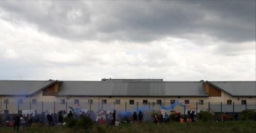 "ansa / صورة لمركز يارلز وود في المملكة المتحدة. المصدر: منظمة ""ساعد اللاجئين"""