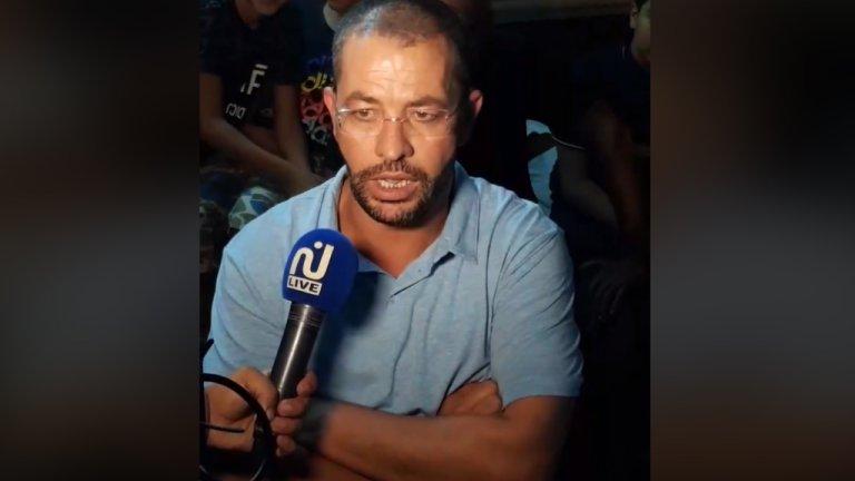 Chamseddine Bourassine parlant à la presse locale à son arrivée à Zarzis. Crédits : Facebook Live / Zarzis.info