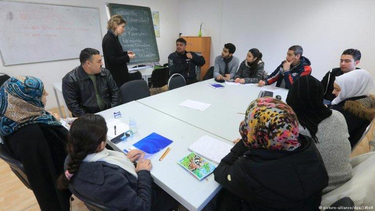 مهاجران در کورس آموزش زبان آلمانی