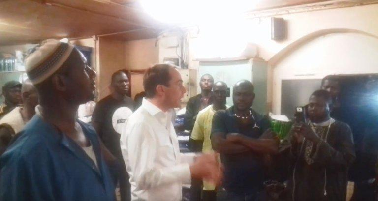 """Le """"foyer Bara"""", à Montreuil, en région parisienne. Capture d'écran d'une vidéo du maire de Montreuil"""