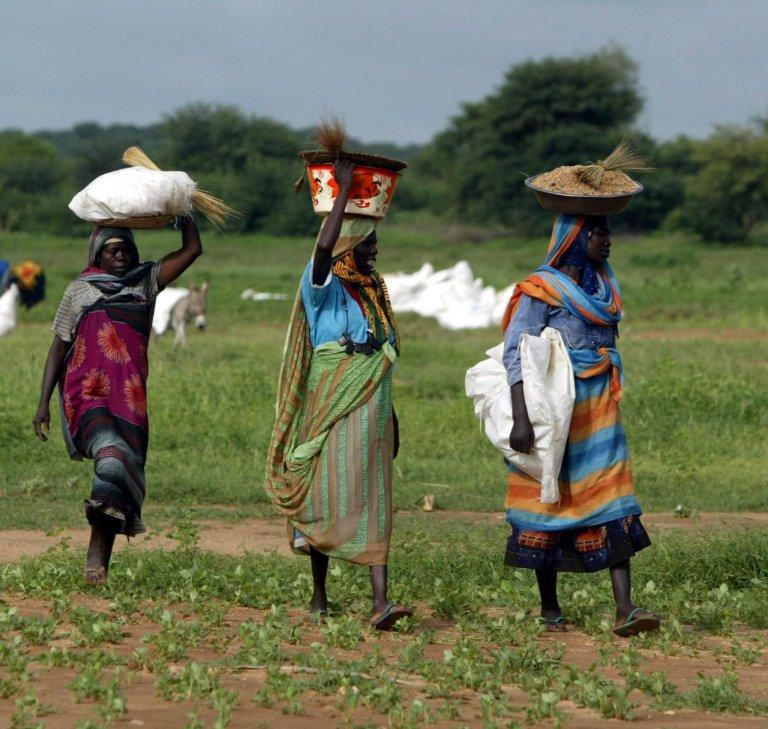 Displaced Sudanese women from the Darfur region | Photo: EPA/Khaled El Fiqi