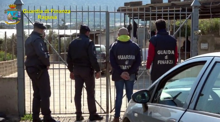 A scene from the operation carried out by the Ragusa finance police   Photo: ANSA / Finance Police Press Office