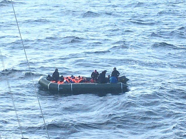 A similar sized dingy set off on March 9 and was picked up by the French authorities | Photo: Twitter/préfecture maritime de la Manche et de la mer du Nord @premarmanche