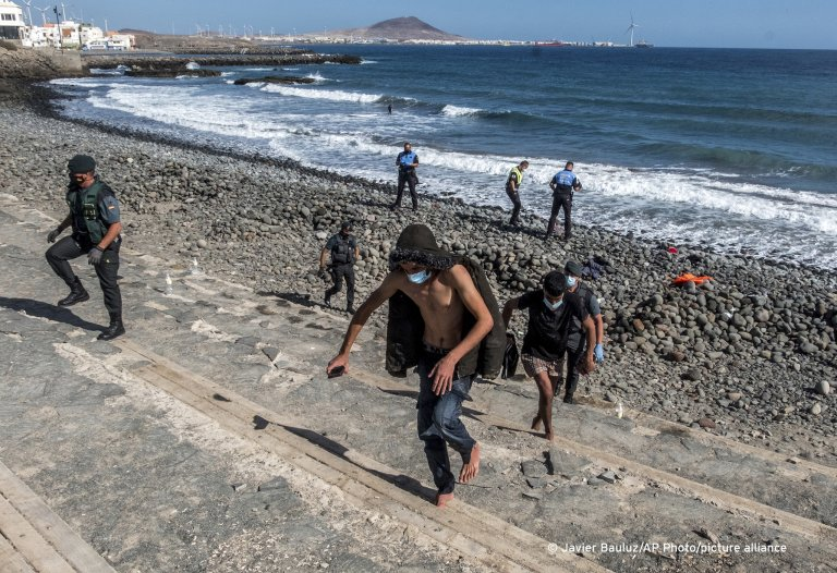 مهاجرون يصلون إحدى جزر الكناري. أرشيف