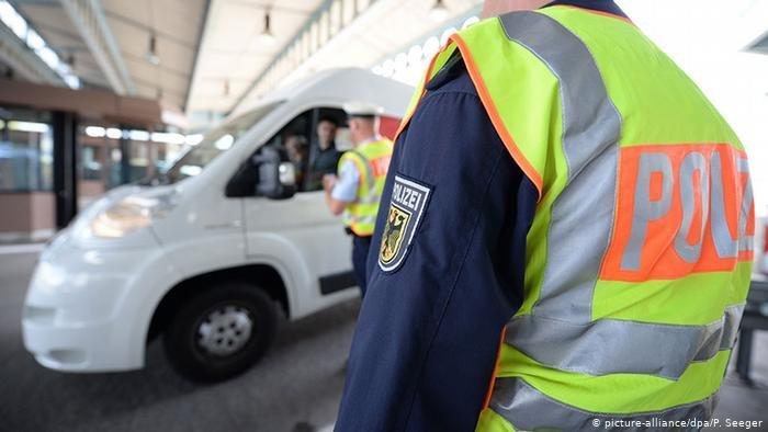 الشرطة الألمانية تضبط الحدود مع سويسرا