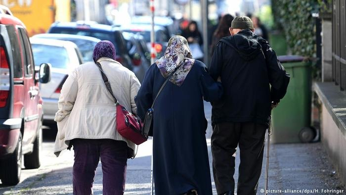 Foreigners in Austria will get €300 less in welfare benefits if they cannot prove certain language skills | Photo: Picture-alliance/dpa/H.Fohringer