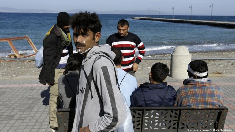 Refugees on the island of Kos | Credit: picture-alliance, AP Photo, Thanassis Stavrakis