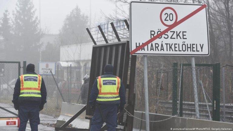 Des policiers hongrois à Roszke après la tentative de migrants de passer la frontière fin janvier 2021 | Photo : Picture-alliance/AP Photo/MTI/Z.Gergely Kelemen