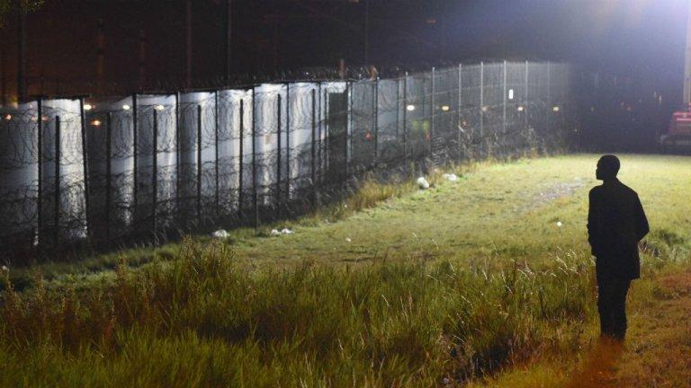 Un migrants à Calais, dans le nord de la France. Crédit : Mehdi Chebil.