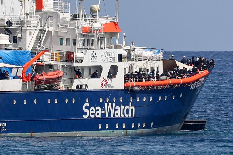 The last rescue operation carried out by the Sea-Watch 4 with 353 migrants rescued at sea transferred on quarantine ship GNV Allegra off the port of Palermo on September 2, 2020 | Photo: ANSA/IGOR PETYX