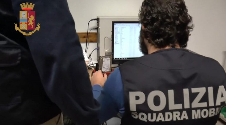 A still from a video released by the Italian police on the dismantling of an illegal ring involved in fraudulent papers to get stay permits | Photo: ANSA/Polizia di Stato