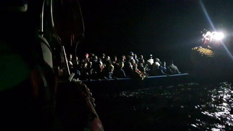 تصویری از عملیات نجات اس او اس مدیترانه در ماه نومبر گذشته. عکس از اس او اس مدیترانه
