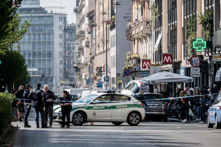 عملية للشرطة في ميلانو. المصدر: أنسا / فلافيو لوسكالسو.