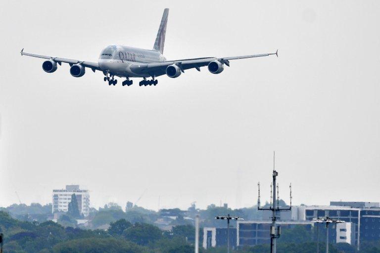 AFP/Ben Stansall |L'avion où était caché le jeune homme s'approchait de l'aéroport de Heathrow où il devait atterrir (Image d'illustration).
