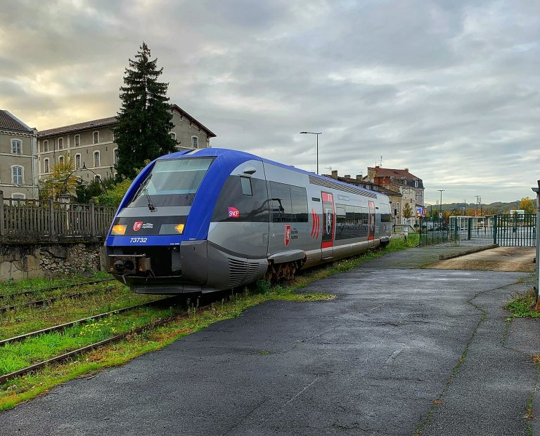 Parti de Hendaye, le TER a percuté les victimes tout près de la gare de Saint-Jean-de-Luz. Crédit : Wikimedia CC
