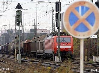 قطار في محطة ألمانية