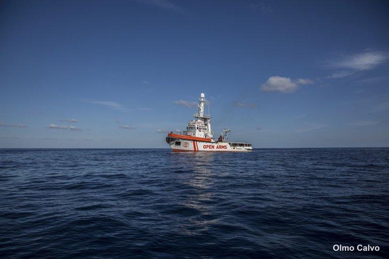 L'Open Arms en mer Méditerranée. Crédit : Proactiva Open Arms