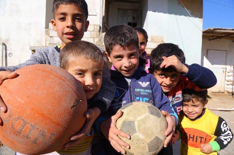 أطفال في مخيم برالياس في البقاع. مهاجر نيوز