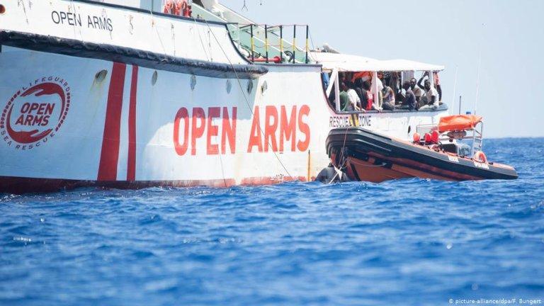 Photo d'archive du navire espagnol Open Arms au large de l'île italienne de Lampedusa. Crédit : Picture-alliance/dpa/F.Bungert