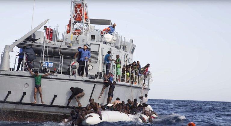 حالة فوضى عقب تدخل خفر السواحل الليبي لإنقاذ المهاجرين / أرشيف