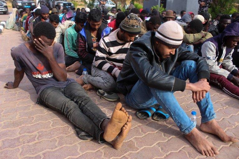 Des migrants à Khoms, en Libye, le 30 mai 2020. Crédit : Reuters