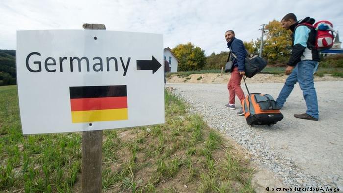 فتحت ألمانيا حدودها واستقبلت مئات آلاف اللاجئين عام 2015