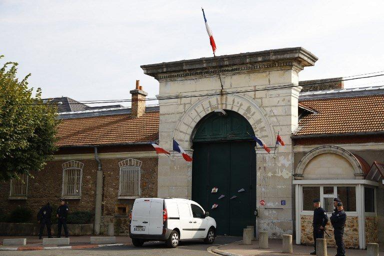 PATRICK KOVARIK / AFP |La justice a permis à 7 migrants, incarcérés à la prison de Fresnes (photo), de déposer leur demande d'asile.