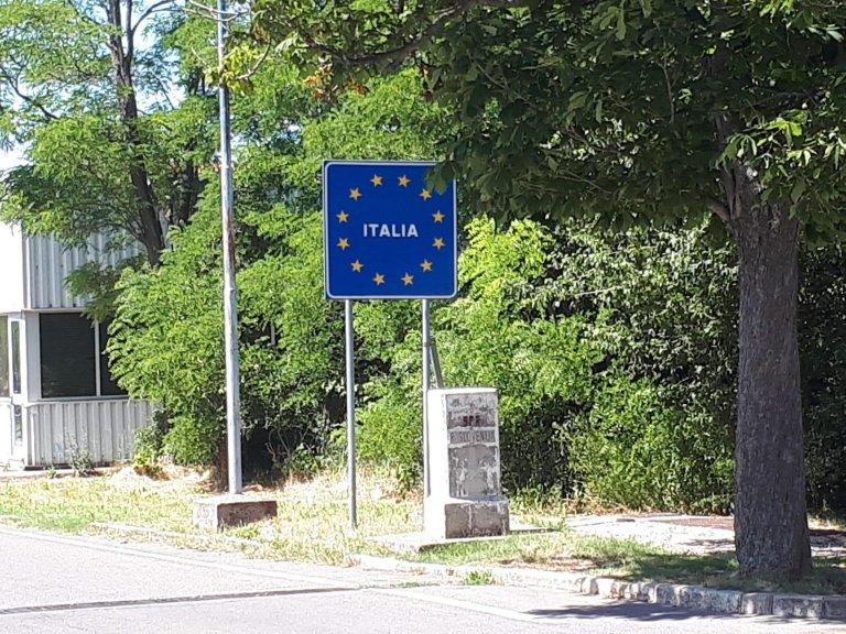 A sign at a border crossing between Friuli Venezia Giulia and Slovenia | Photo: ANSA/CRISTIANA MISSORI