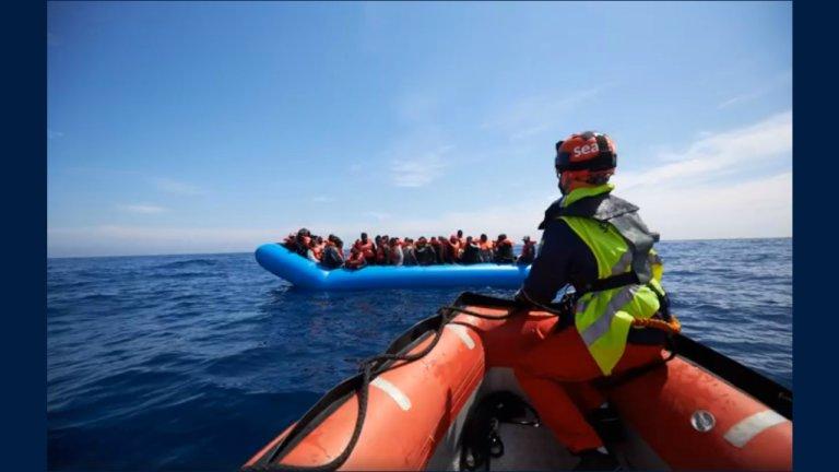 """عملية انقاذ مهاجرين في المتوسط - سفينة """"آلان كردي"""". المصدر: منظمة """"سي آي"""""""