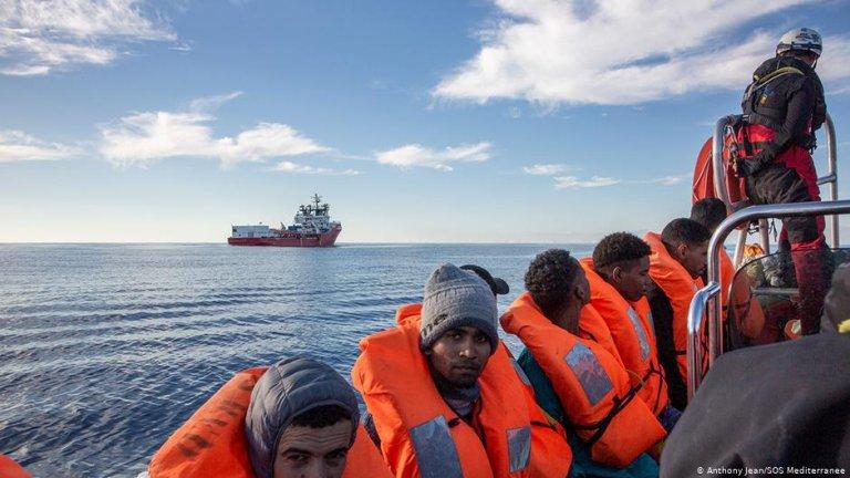 Des migrants secourus en Méditerranée par l'Ocean Viking (archive). Crédit : Anthony Jean/SOS Mediterranée